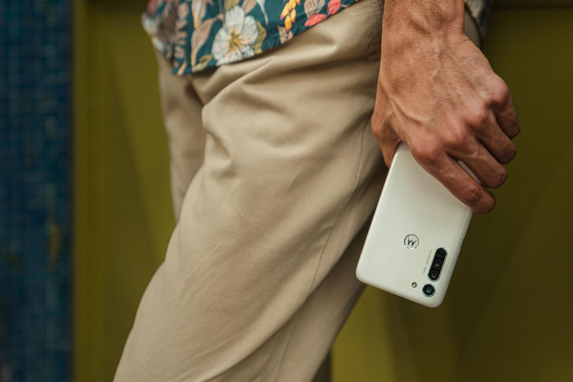 Американско-китайский смартфон схорошими характеристиками продают за11990 рублей