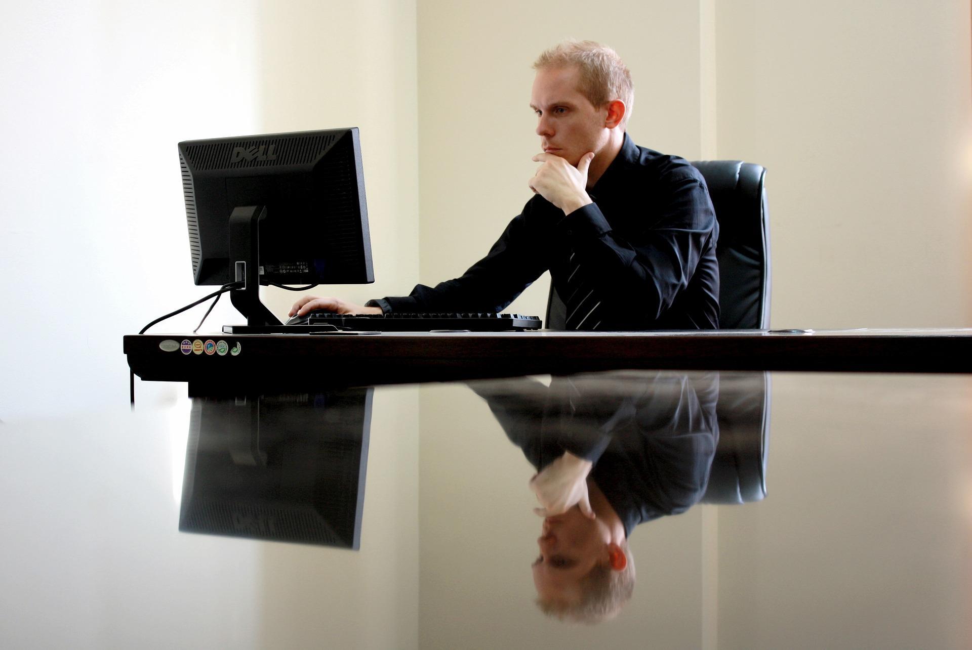Как выбрать идеальный монитор: 4 момента накоторые нужно обратить внимание