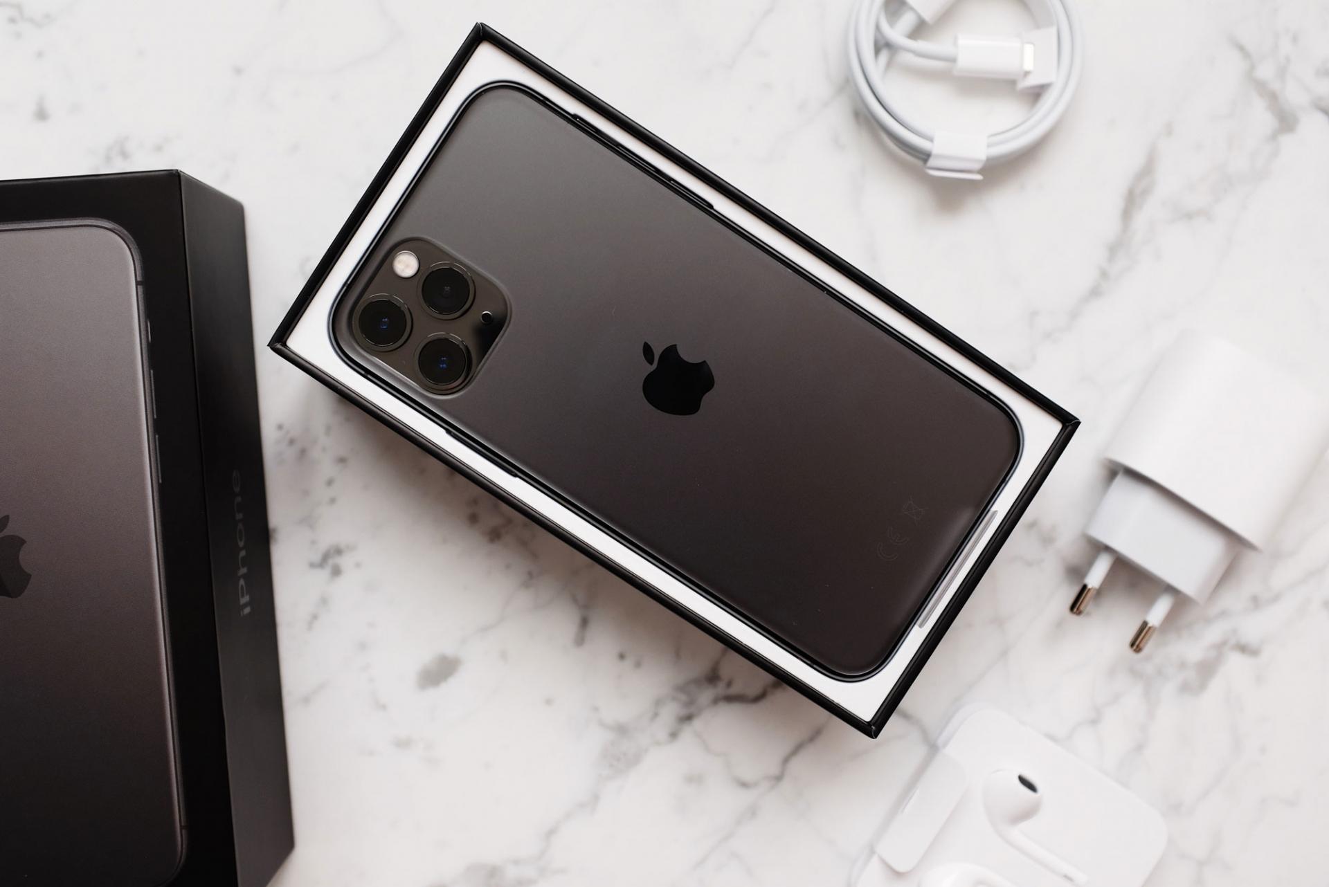 Почемубывает выгоднопокупать старые флагманские смартфоны?