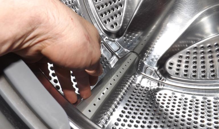 Причины появления воды вбарабане стиральной машины