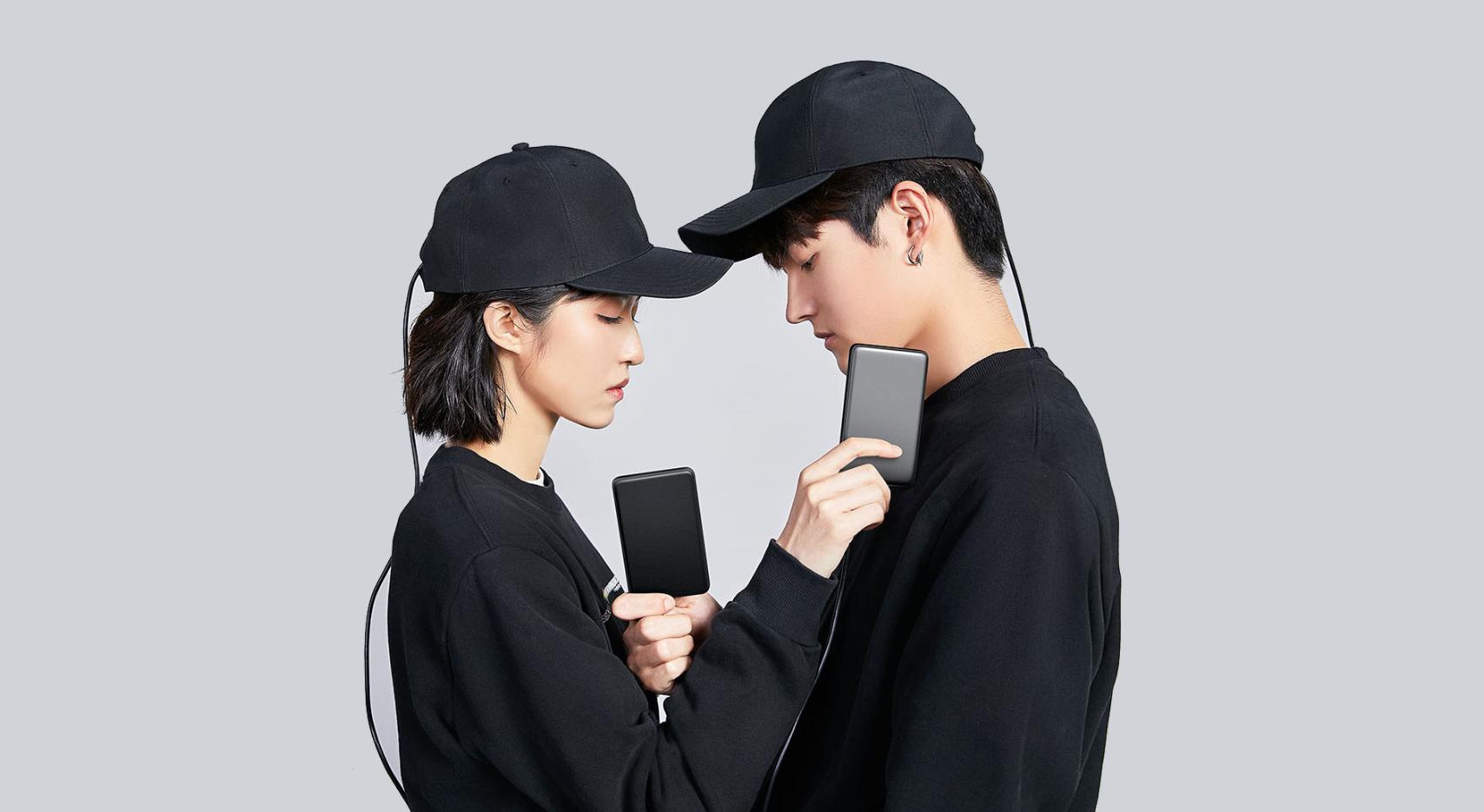 Xiaomi вылечит отоблысения специальной бейсболкой Cosbeauty