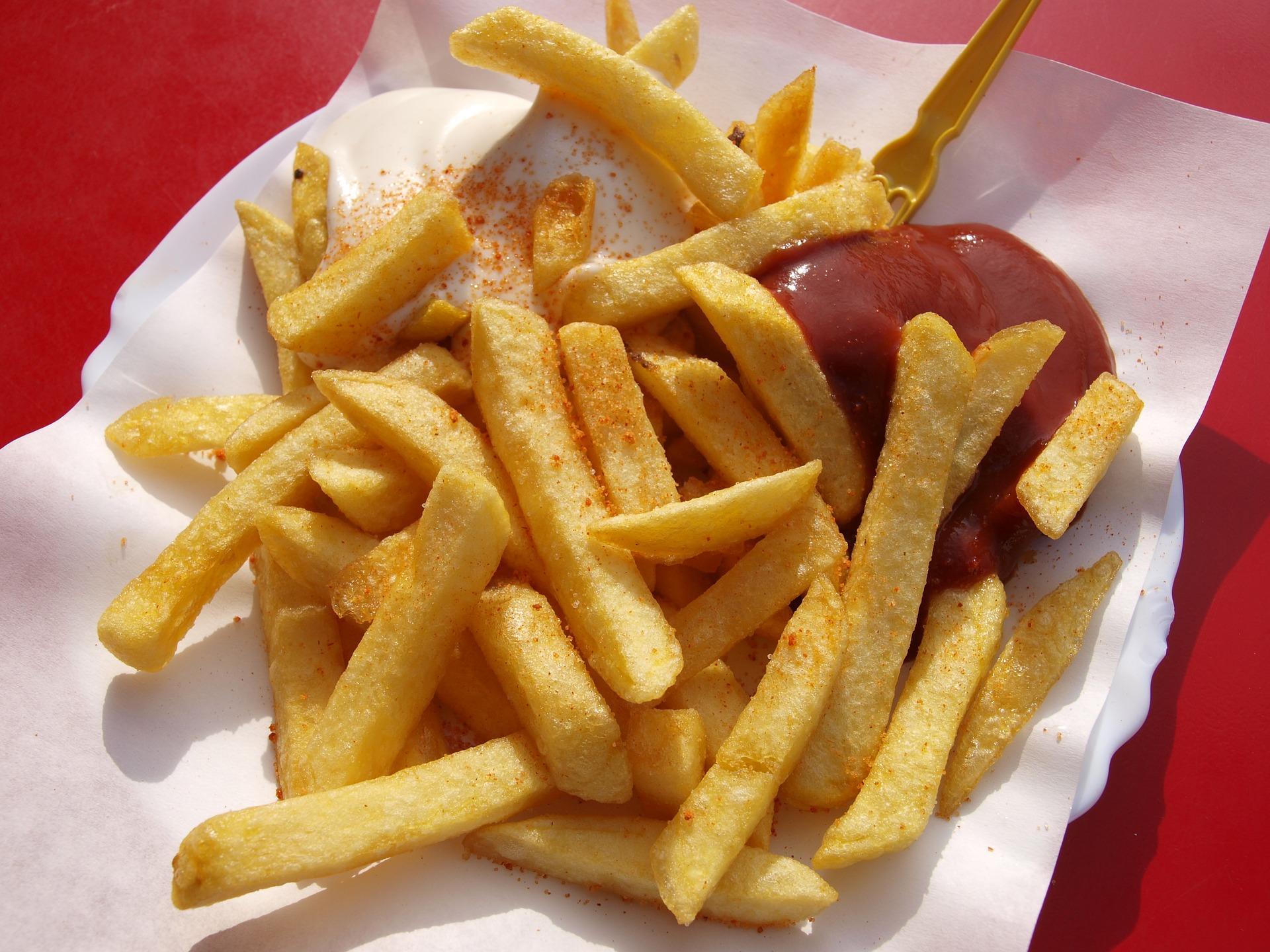 Бельгия призывает граждан употреблять больше картошки фри вовремя коронавируса
