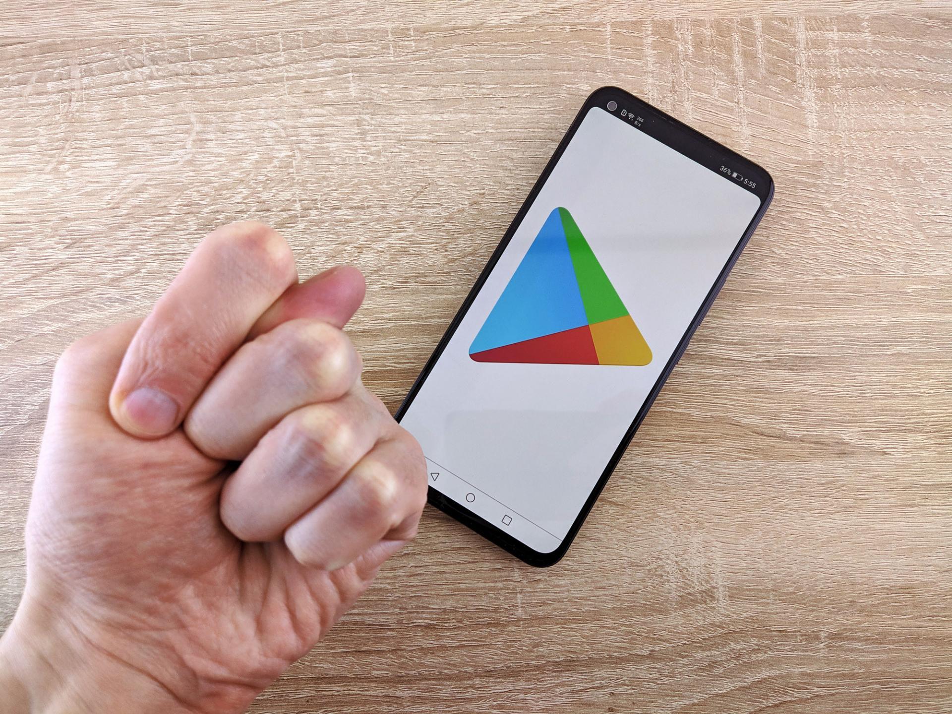 Huawei иHonor начали продавать без сервисов Google. Что это значит?
