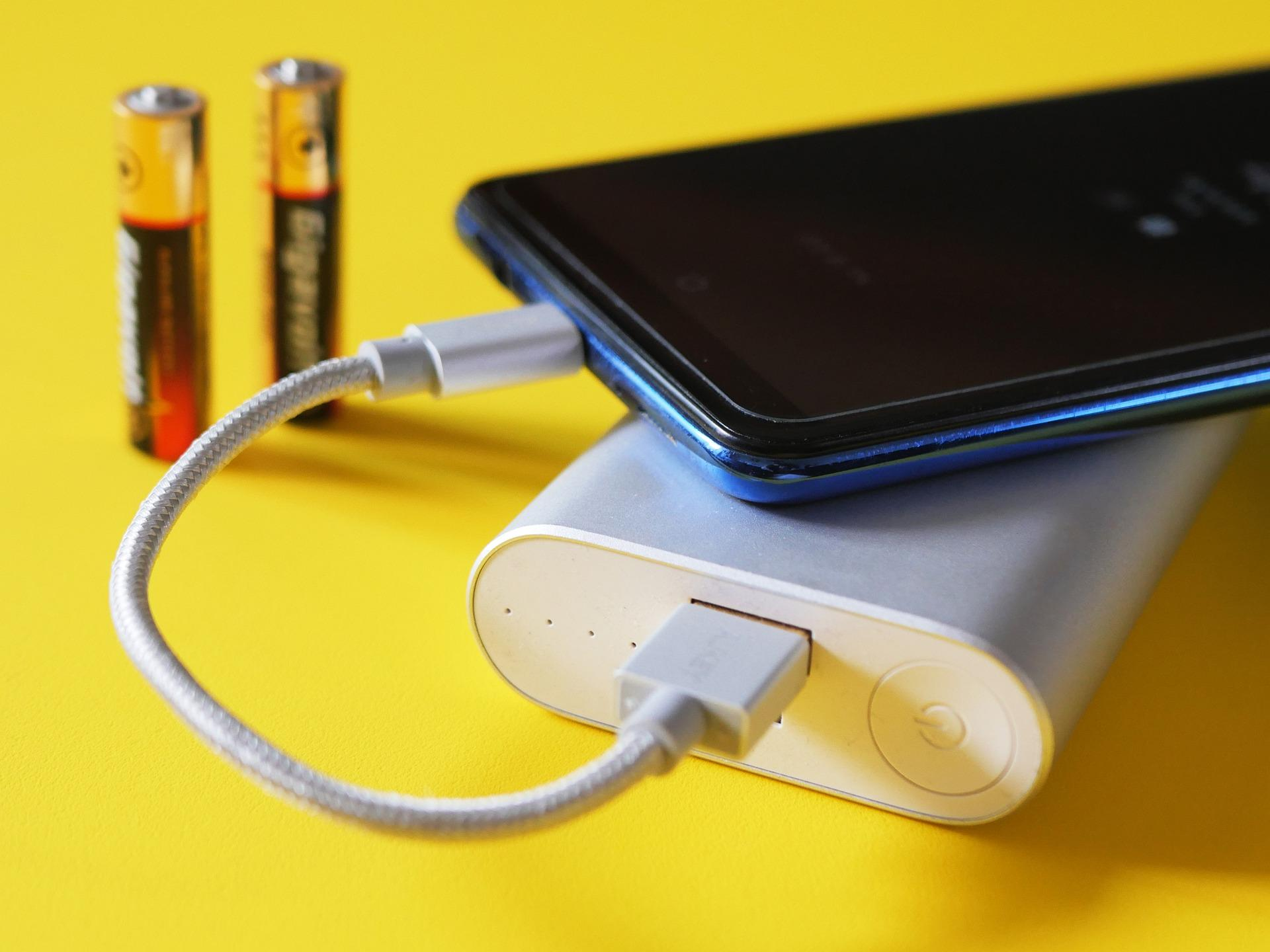 Какие сегодня естьсмартфоны схорошим аккумулятором? Нашли 6 моделей