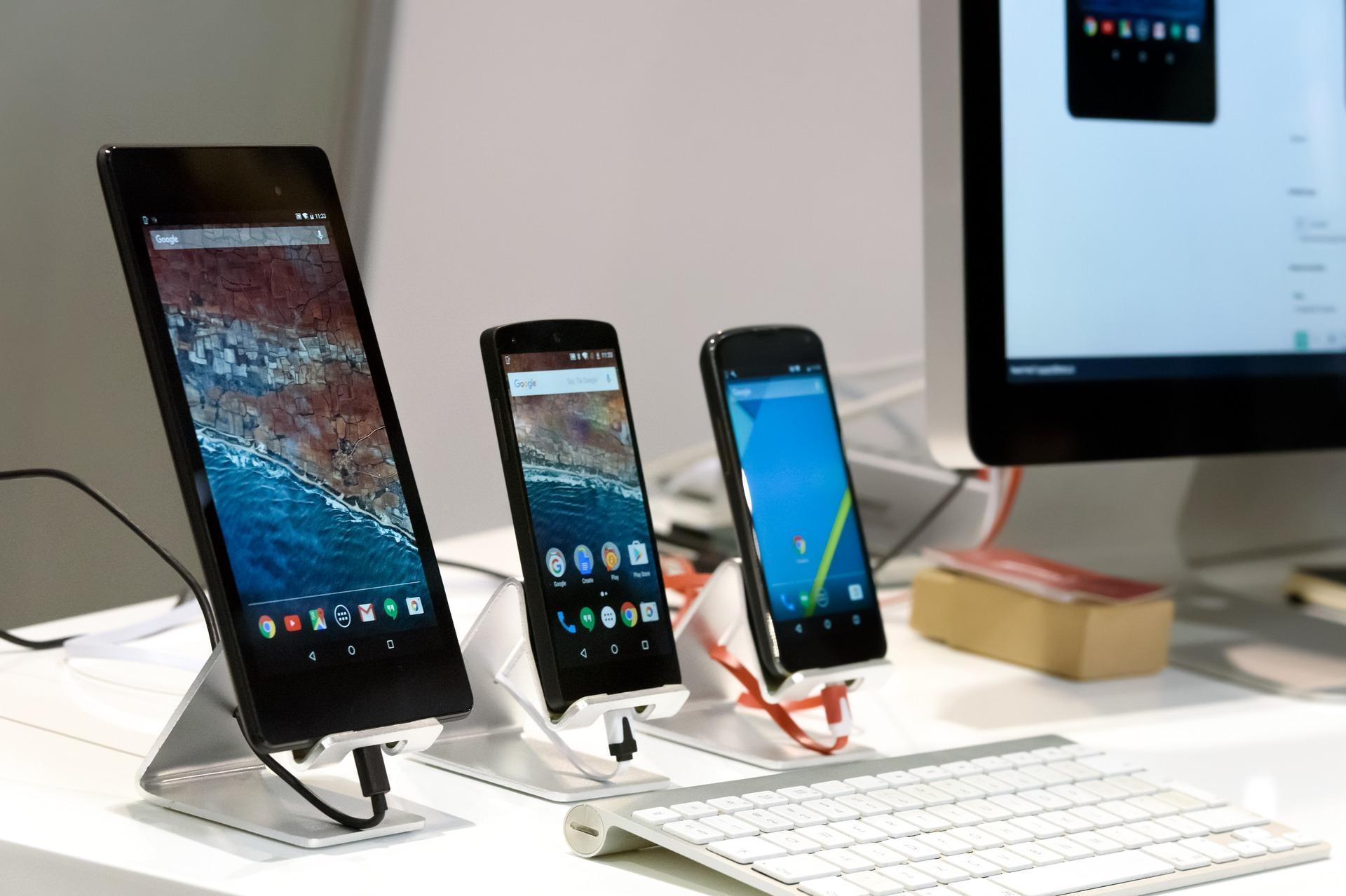 ТОП-5 самых продаваемых смартфонов вМ.видео иЭльдорадо