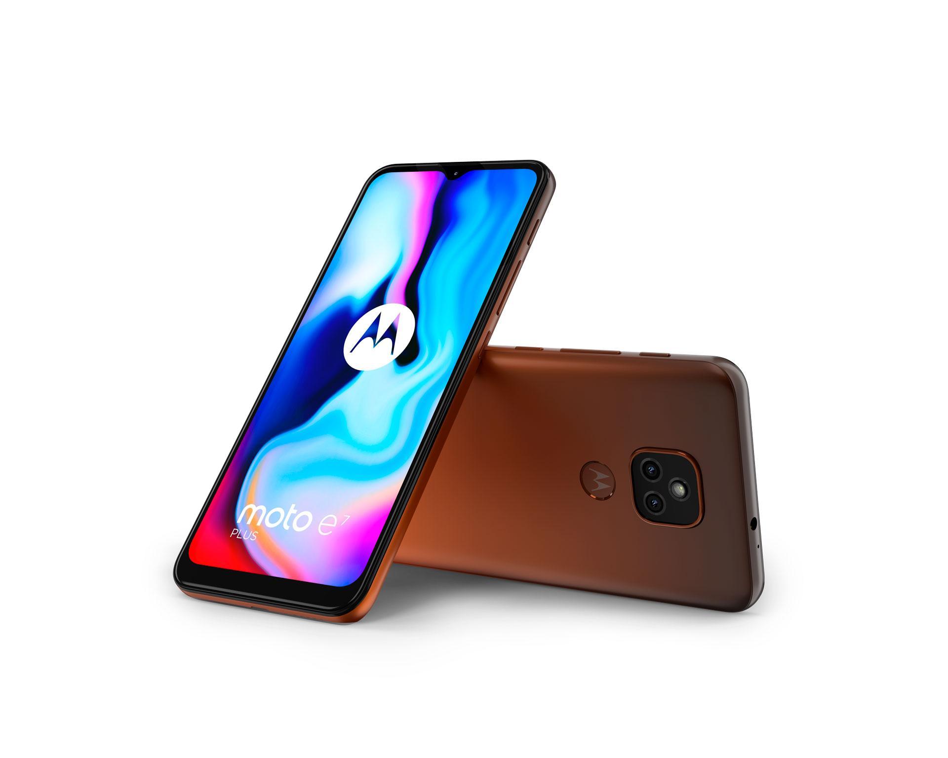 Motorola Moto E7 Plus с4 Гбоперативнойпамятиотдают за8990 рублей