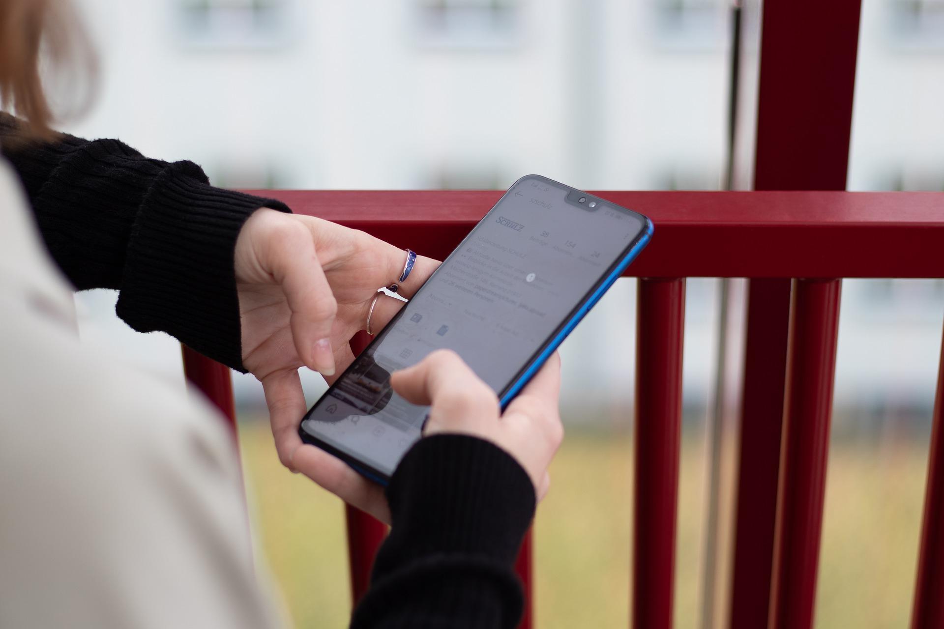 10 лучших смартфонов поданным «Роскачества»