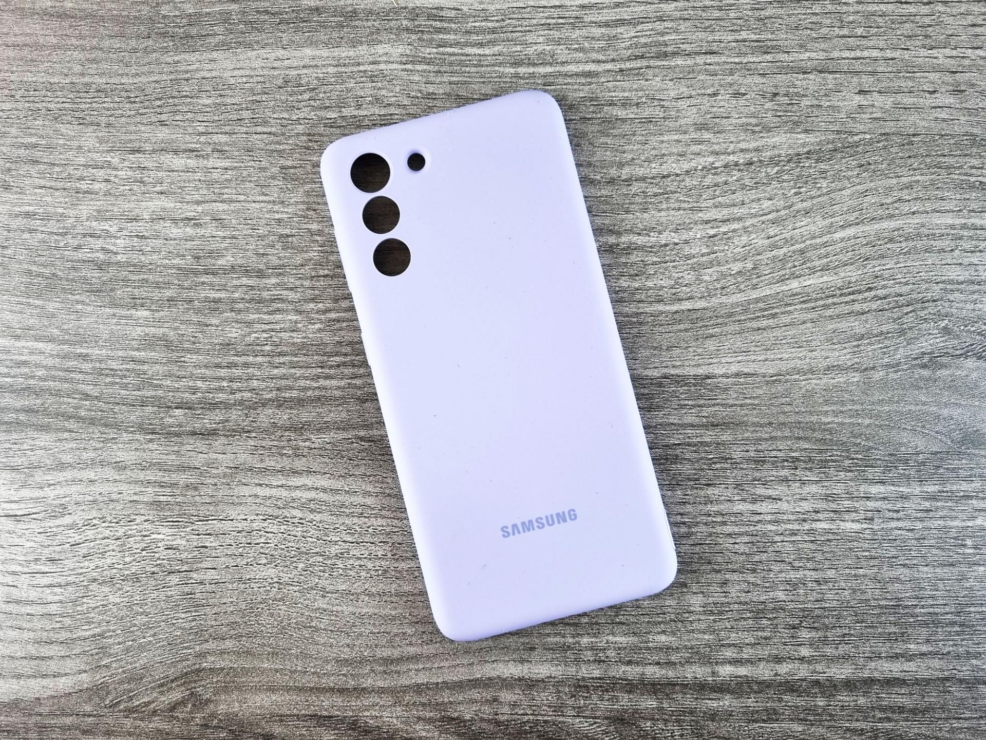 Samsung может запартнёрится с производителем оптики для камер своих смартфонов