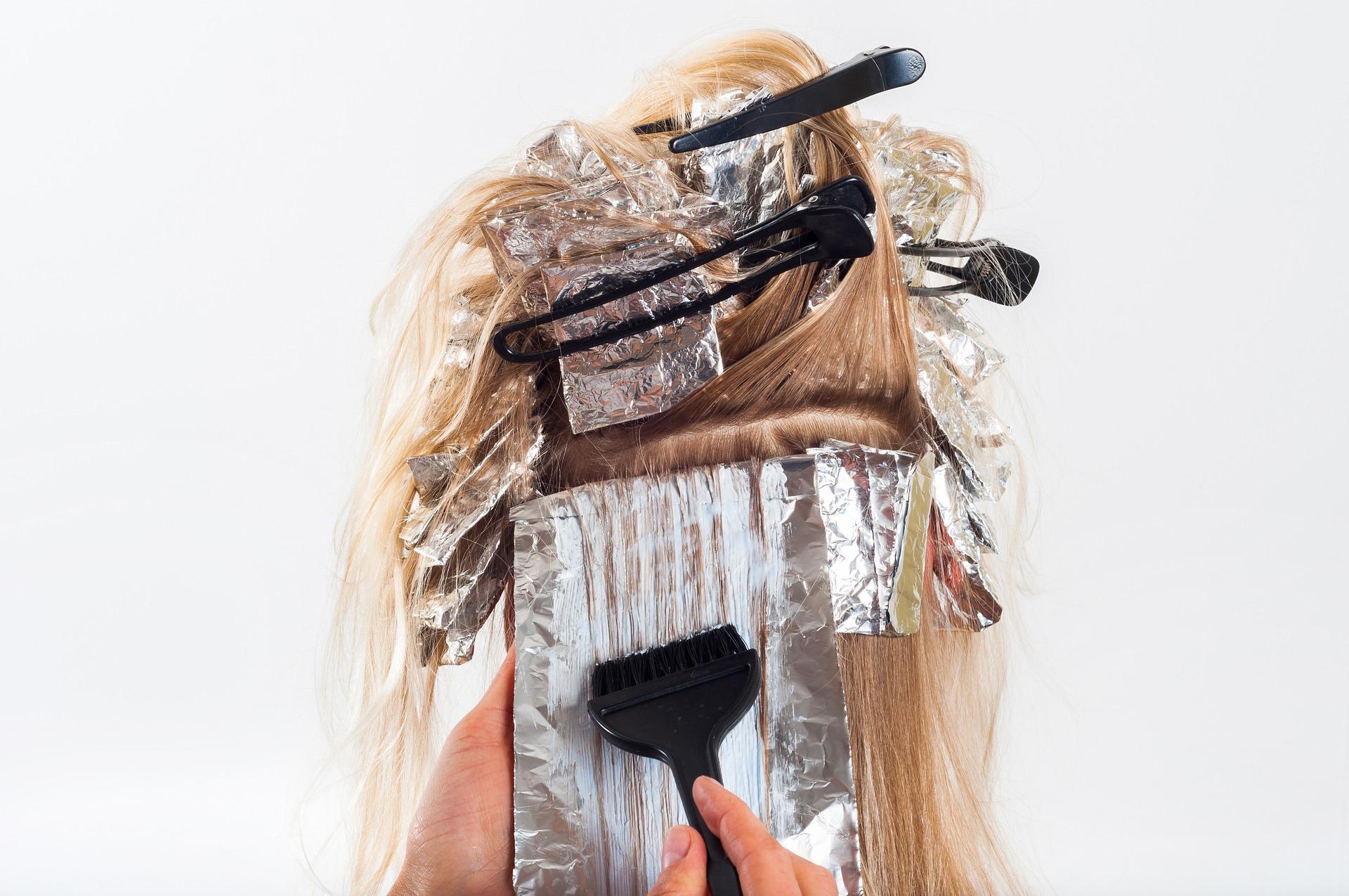 Вкакие оттенки красить волосы в2021 году?