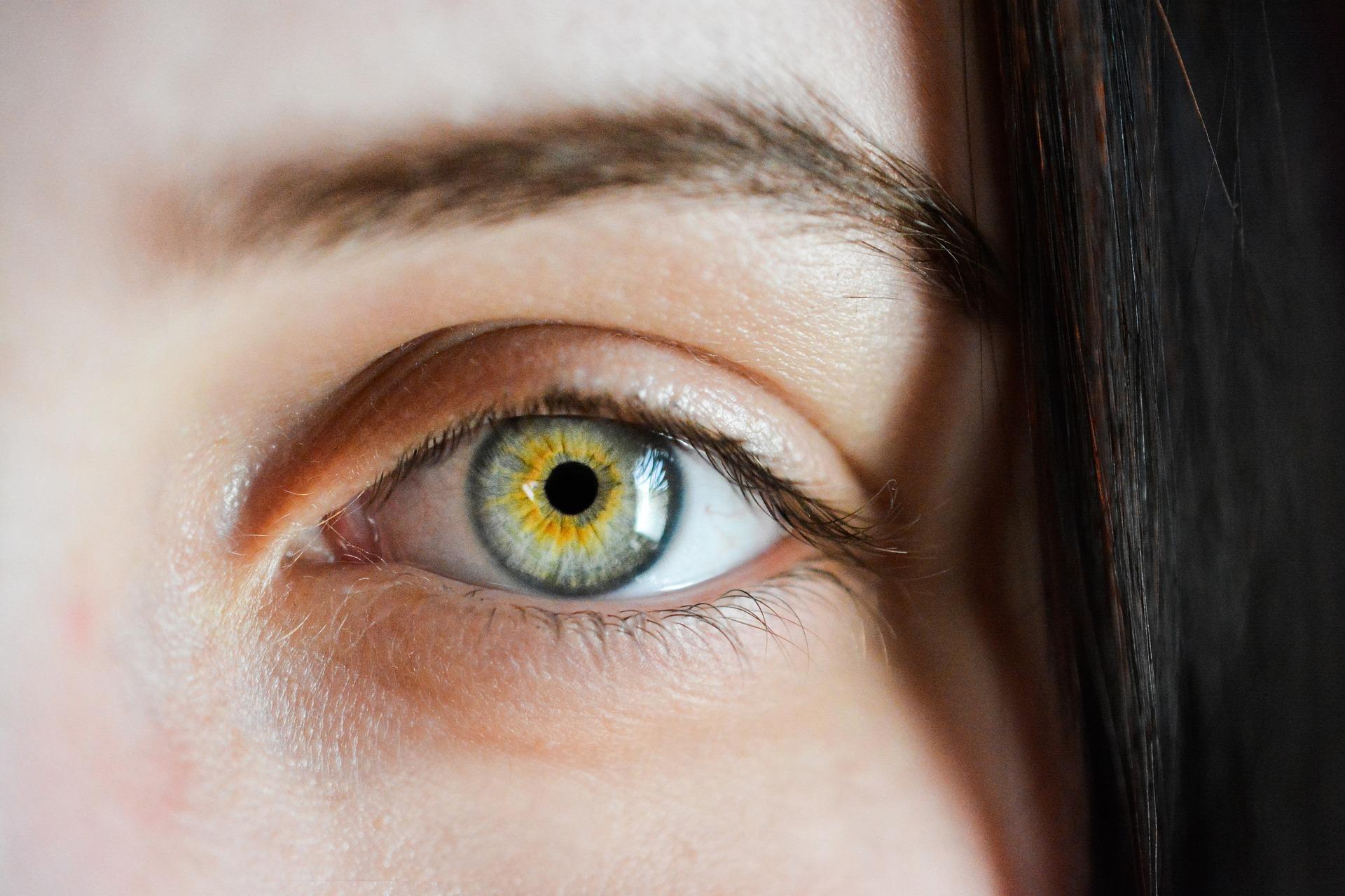 5 упражнений исоветов, чтобы избавить свои глаза отэкранного напряжения