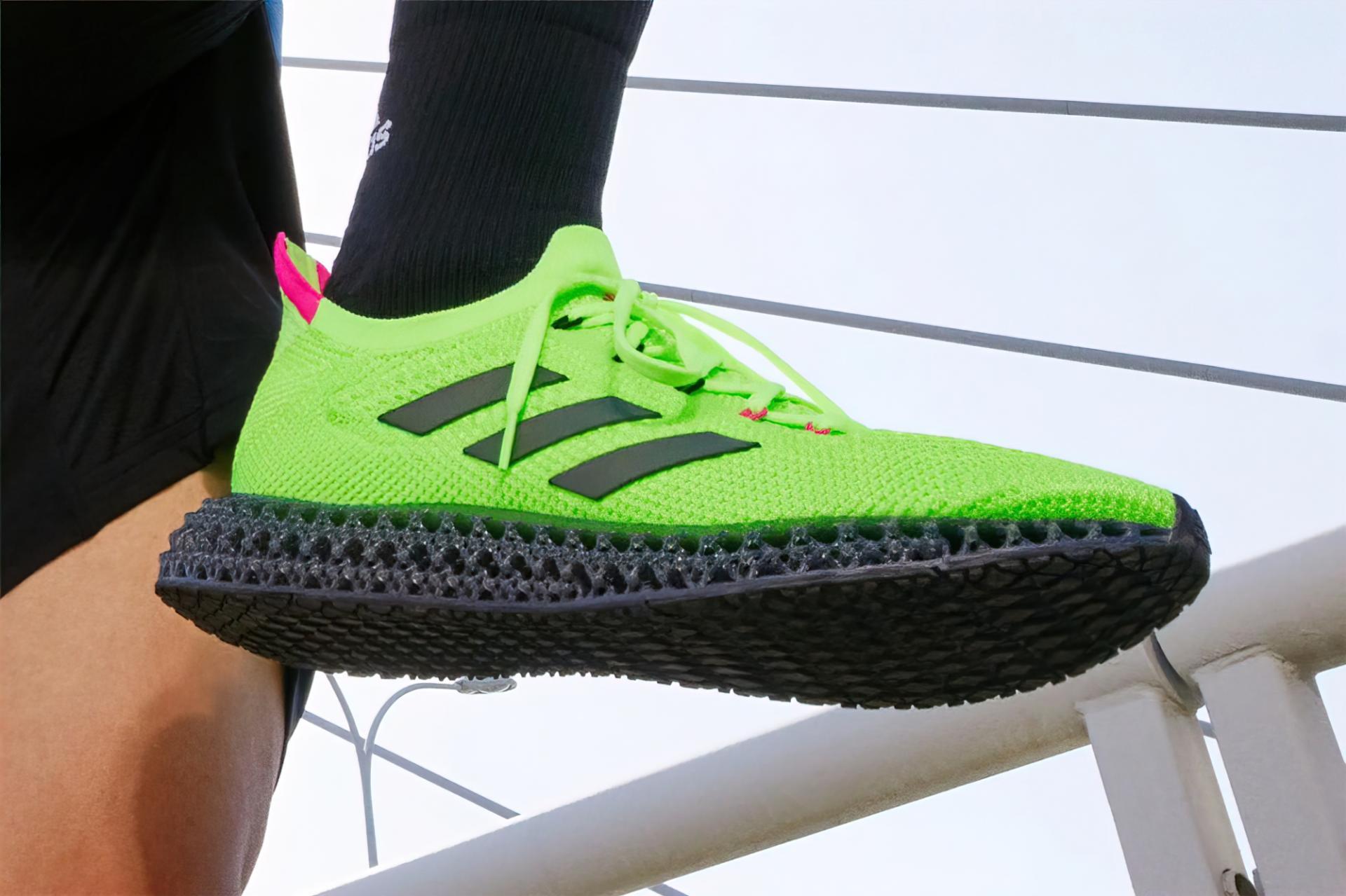 Adidas 4DFWD появились всмелом кричащем зелёном цвете