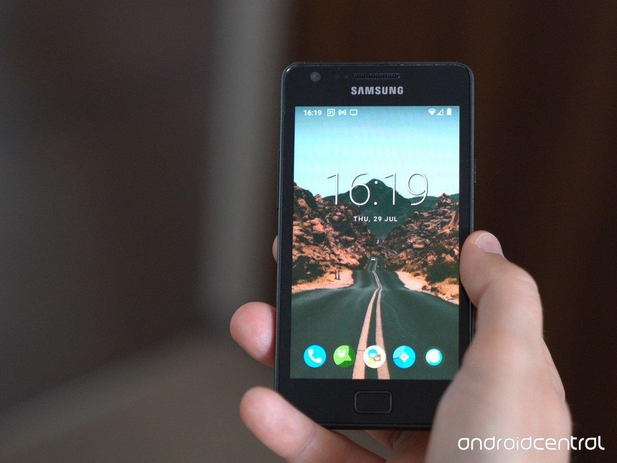 Android 11 установили на11-летний смартфон