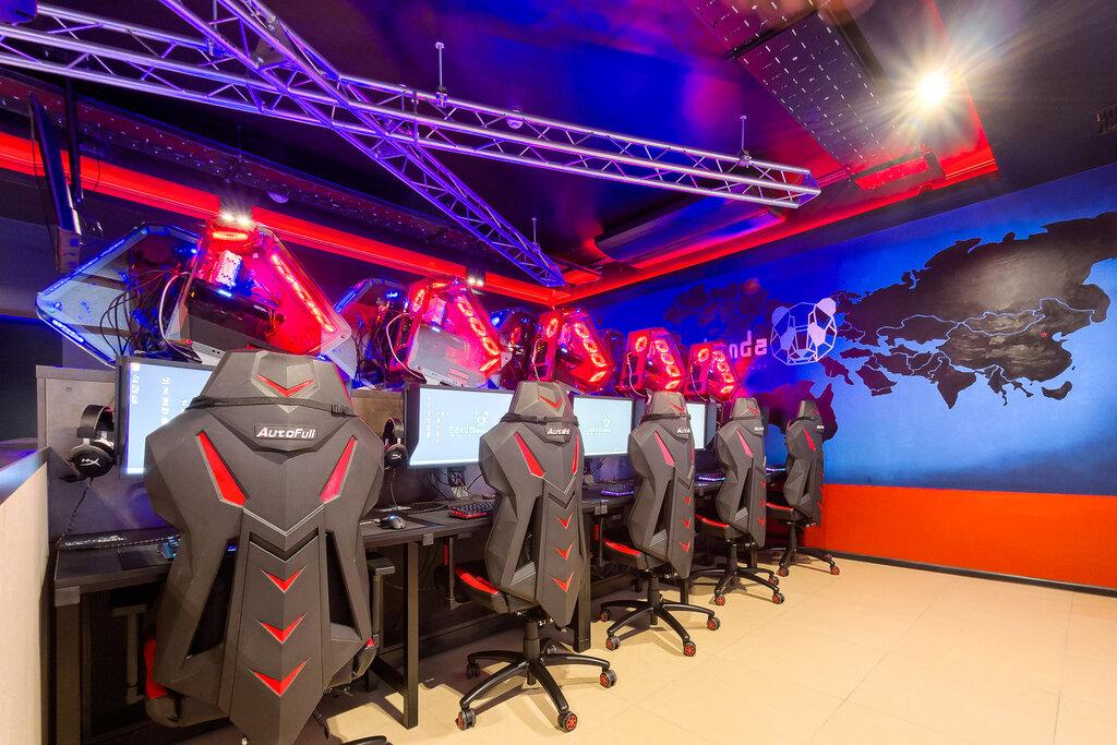 НаФилиппинах геймеры неушли изкомпьютерного клуба, даже вовремя потопа