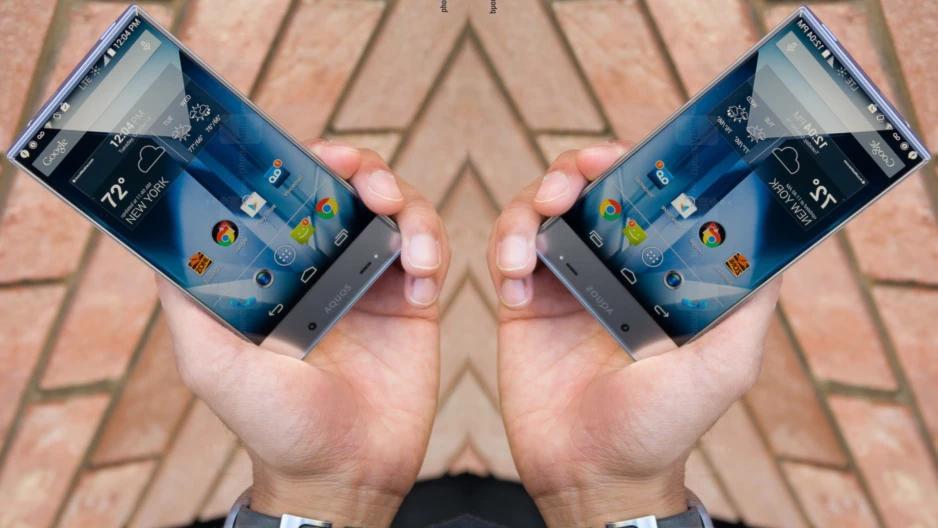 Появились первые модели смартфонов скамерой под дисплеем