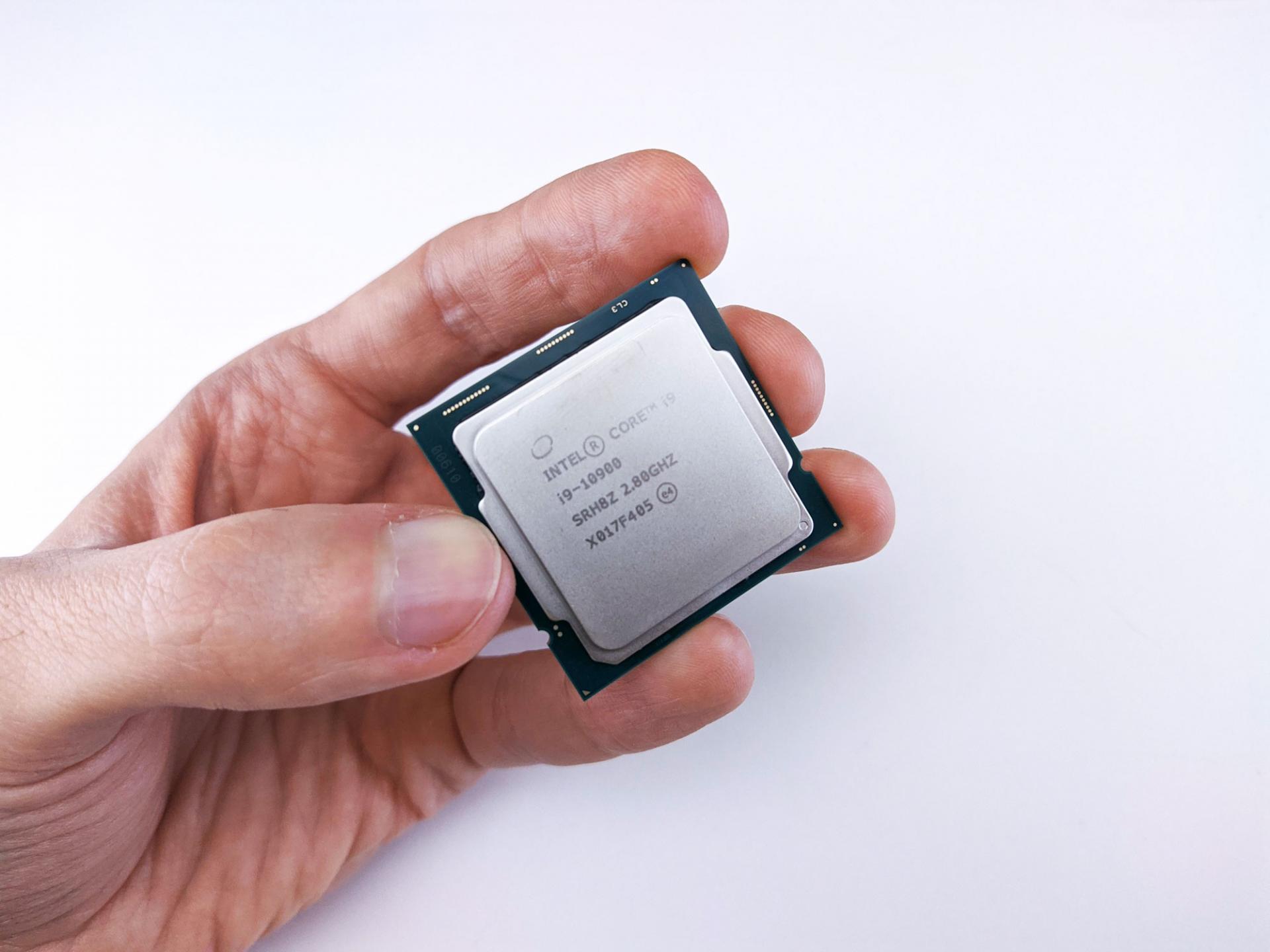 Что посилам Intel Core i9-10900? Пробуем его в29 играх