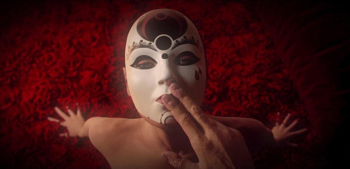 ВSteam стартовали бесплатные выходные эротического хоррора Lust for Darkness