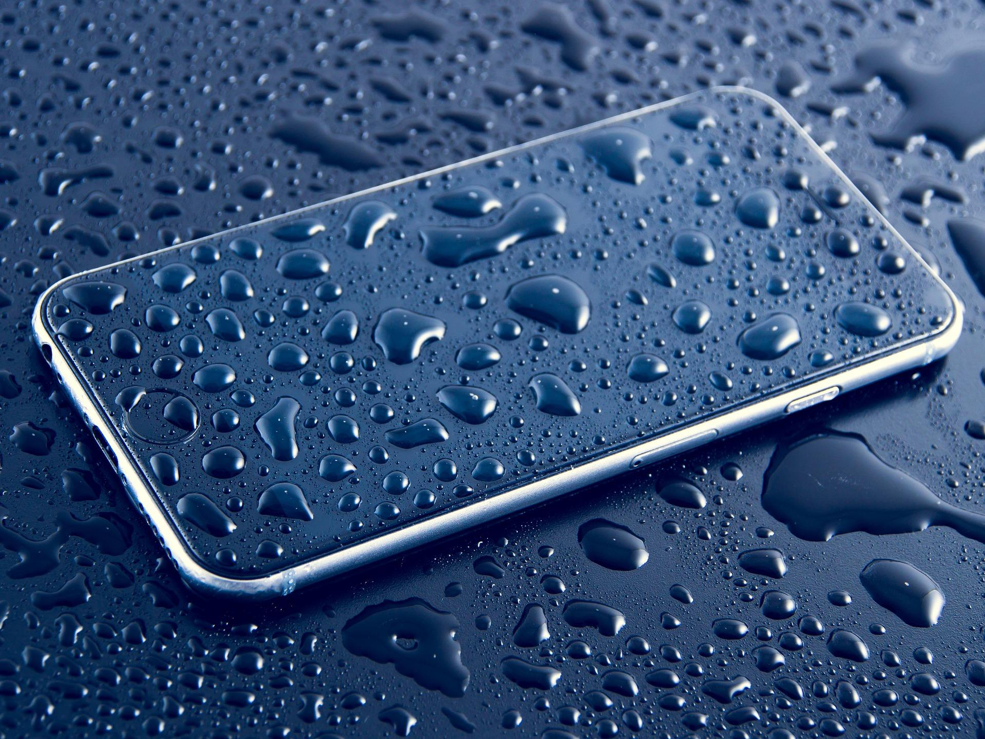 Появилось приложение для проверки влагозащищённости смартфона