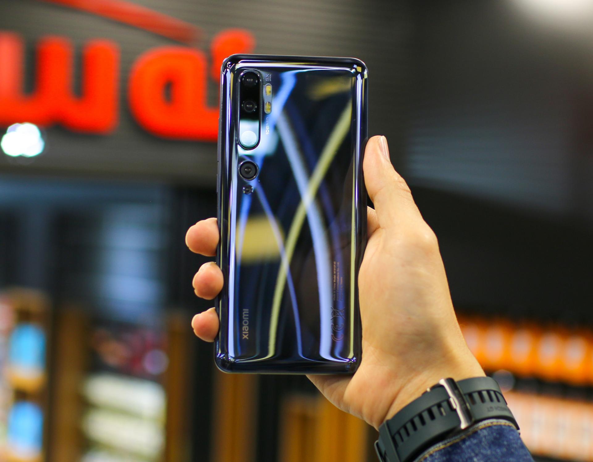 НеSamsung или Apple, аXiaomi перетянула насебя покупателей Huawei