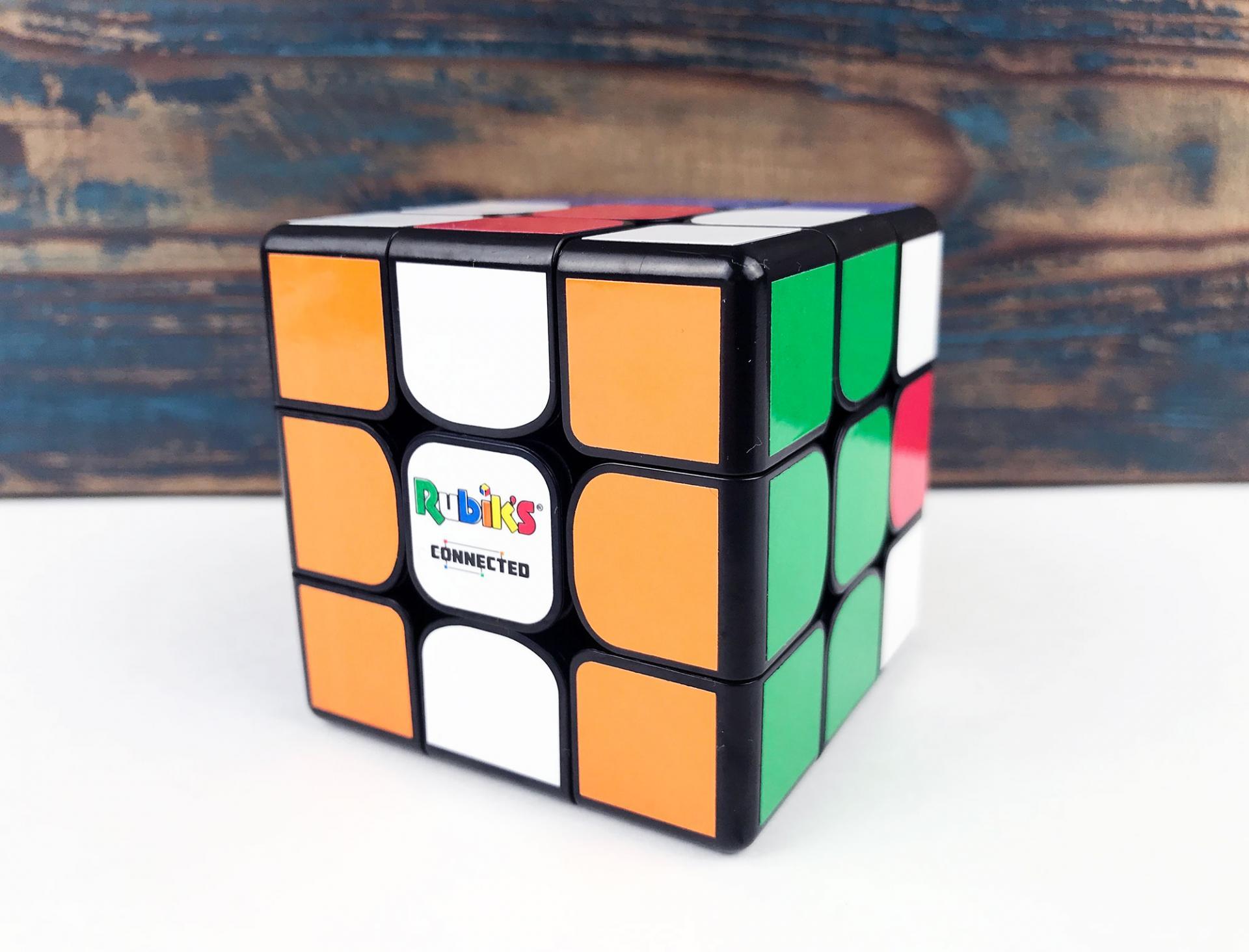Обзор умного кубика Рубика Particula Rubik's Connected