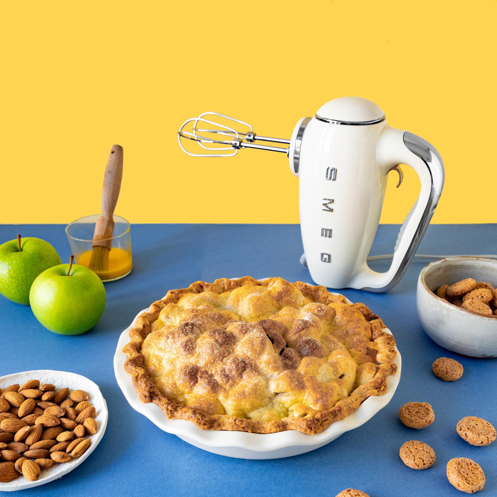 Сезон яблок. Рецепты: яблочный пирог сминдалем иамаретти, витаминный сок