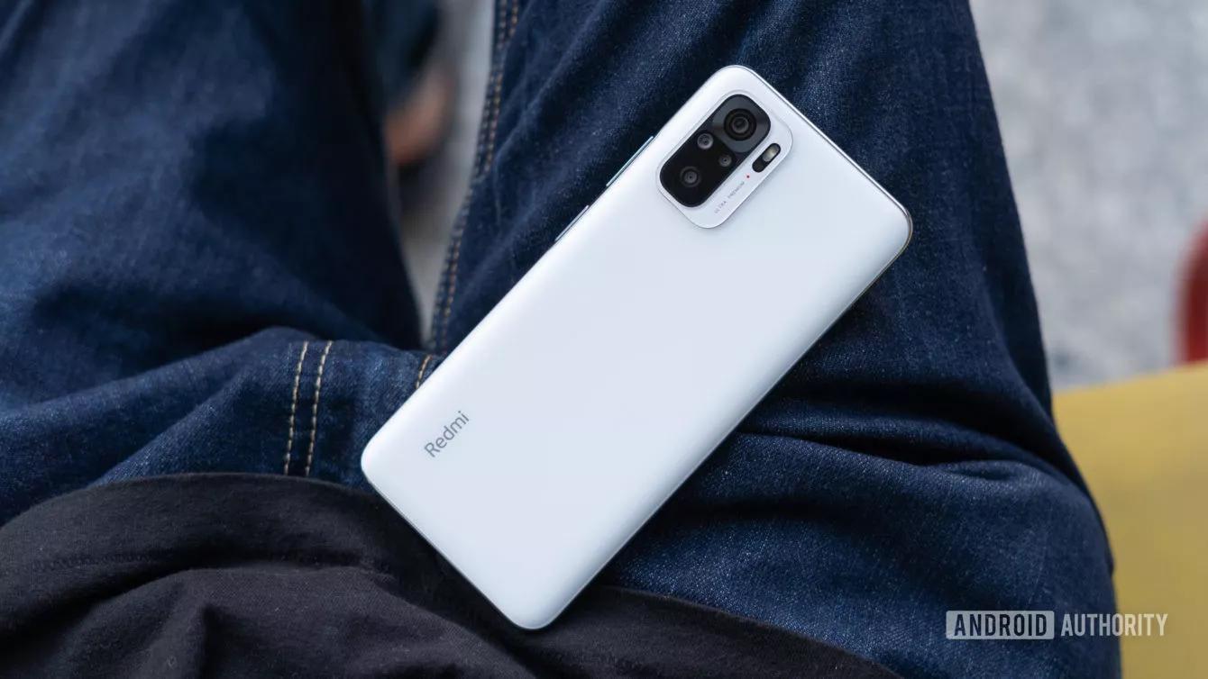 Смартфоны Xiaomi могут удалённо цензурироваться