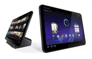 Motorola Xoom на подставке