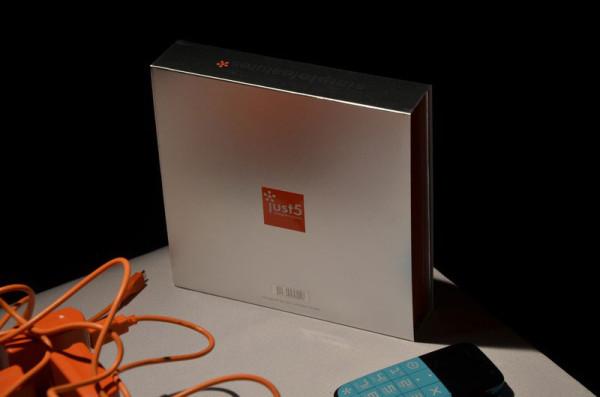 Телефоны Just5 – как минимум удачный, уже упакованный, подарок